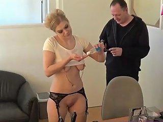 Geile Azubine Muss In Meiner Firma Sexdienste Machen