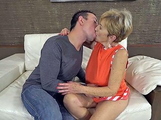 Young Dude Fucks Sex Hungry Granny Malya And Cums On Her Face