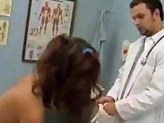 Jenna Visits The Gynecologist