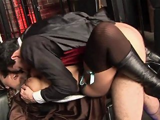 Indian Girl Gets Warm Facial After Hardcore Bang In A