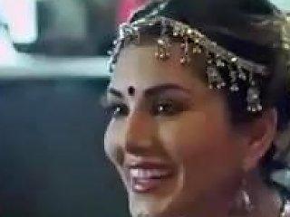 Sunny Leone Says No...