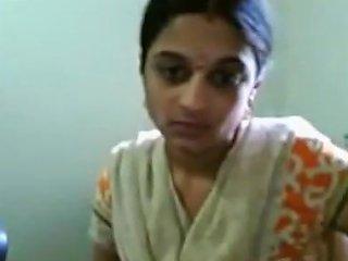 Crazy Amateur Video With Indian Downblouse Scenes