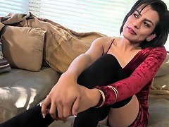 Casting Trans Babe Jerks Off Her Dick Nuvid